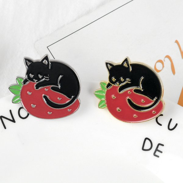 Nova Linda Morango Gato Broche Fruta Animal Preto Gato Dormindo Emblema Pinos Esmalte Mulheres Crianças Casaco Camisola Acessórios de Moda