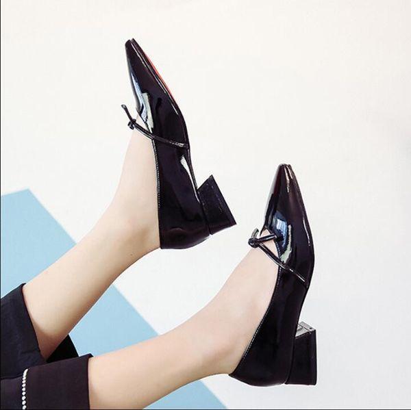 Дизайнерские ботинки платья 2019 осень новая мода мелкий рот остроконечный работа низкий каблук толстый с дикой корейской лакированной кожи женщин