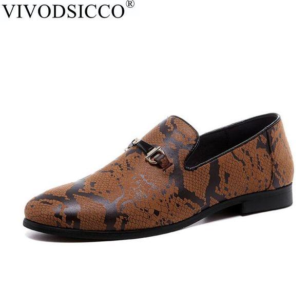 Yılan Tasarım Desen Erkek Ayakkabı Rahat Büyük Boyutları Sivri Burun Moccasins Ayakkabı Erkekler Loafer'lar Üzerinde Kayma İtalyan Topraklar erkekler