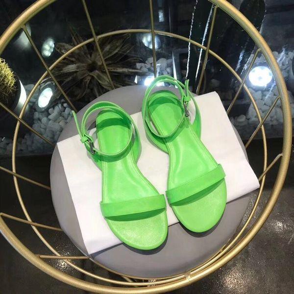 الصنادل المسطحة المستديرة النساء في جميع أنحاء شعار الصنادل الفاخرة اصبع القدم مفتوحة الأربطة الأحذية المسطحة لينة مصمم الصيف اليومية ببساطة ستايل