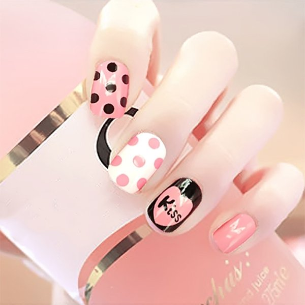 24pcs Women English Letters Kiss Round Dot Black and White Stripe DIY Nail Art Tips With Glue Girls Cute Mixture Color Fake Nail
