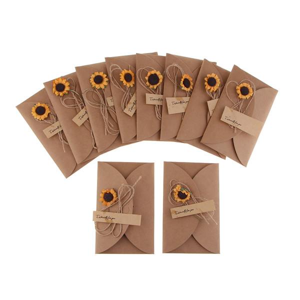 10 piezas Vintage Kraft hecho a mano con flores secas Sobres DIY Tarjeta de regalo Kit de tarjetas Mini mensaje Conjunto de tarjetas