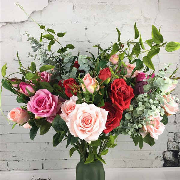 2019 luxo rosas de seda ramo de flor artificial fleur artificielle flores flor falsificada para o casamento casa decoração Eucalyptus