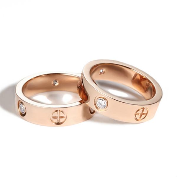 Moda Anel De Titânio Mulher Clássica de Cristal De Metal Casal Anéis Promessa De Casamento Dos Homens Cruz Anéis Presentes Femininos de Noivado TTA1392