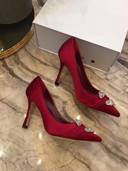2019 Classic Brand Women Pumps Pointed Toes Red Bottom Dress Shoes,Designers Black Patent Leather Wedding Party Shoes by18121103