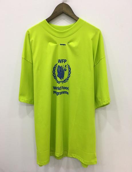 2019 Persönlichkeit T-shirts männer T-shirt Kurzarm Fluoreszierende grüne T-shirt Mens Tees Oansatz Reine farbe gedruckt buchstaben T-shirt Männer Tops