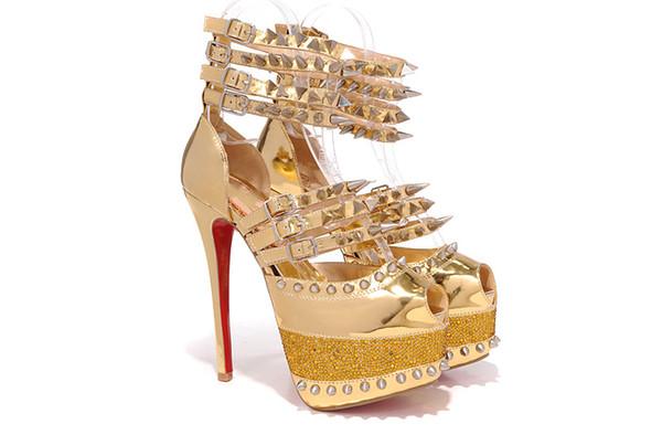 Aynı kadın tasarımcı ile vahşi moda lüks moda kişilik yüksek topuklu bayanlar perçin balık ağzı sandalet 34-42 metre toptan