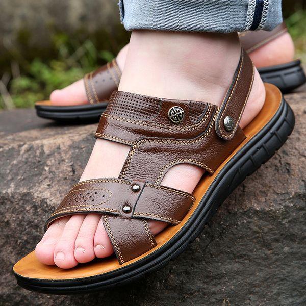 Compre 2019 Verano Nuevos Hombres Sandalias De Moda De Mediana Edad Zapatillas De Cuero De Los Hombres Zapatos Casuales Negro Marrón Amarillo Zapatos