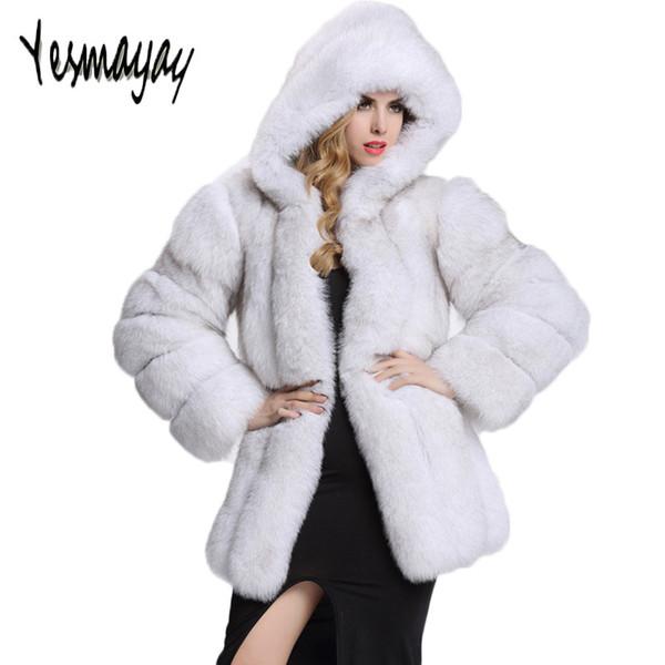 Manteau chic noir pour femme