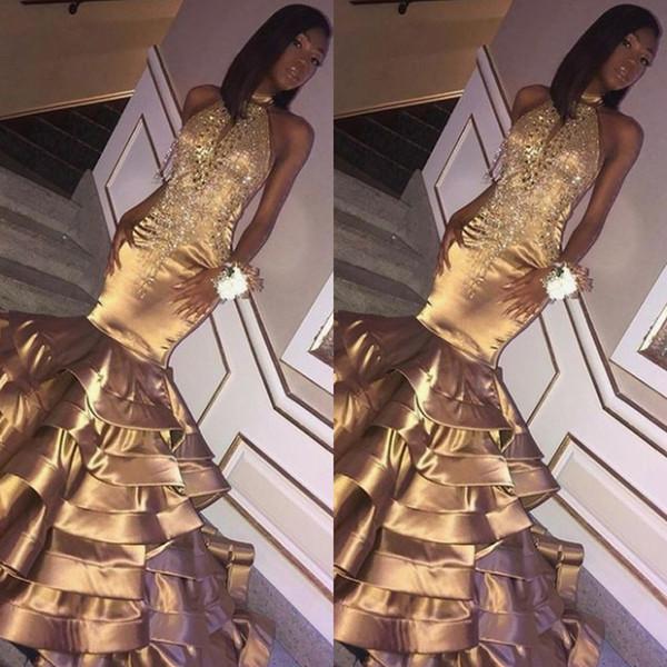 Brilhando Lantejoulas Tassel Em Camadas de Ouro Sereia Vestido De Baile Sexy Halter Backless Lace Apliques Longo Preto Meninas Vestido de Festa À Noite
