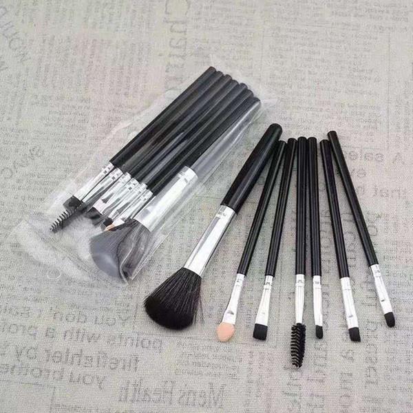 7pcs Pinceles de maquillaje Set Professional Fan Powder Foundation Brush Blush Blending Sombra de ojos Lip Cosmetic Eye Make Up Brushes Kit de herramientas RRA1772