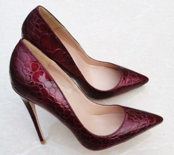 Nouveau style vin rouge Femmes à semelle rouge Chaussures à talons hauts 8cm 12cm 10cm Cusp Fine talon Chaussures simples grande taille 45 Bouche peu profonde mariage mariée