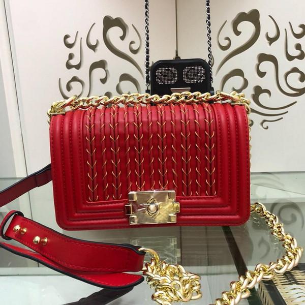 Yeni bayan tasarımcı lüks çanta beyaz kırmızı siyah deri crossbody çanta bayanlar marka Pürüzsüz dana derisi altın metal omuz çantaları 14.5 * 20 * 8 cm
