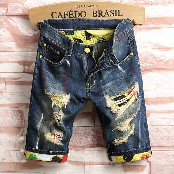 2019 High quality Brand New Summer Mens Holes Denim Shorts Fashion Men Denim Jeans Slim Straight Pants Trend Mens Designer Pants