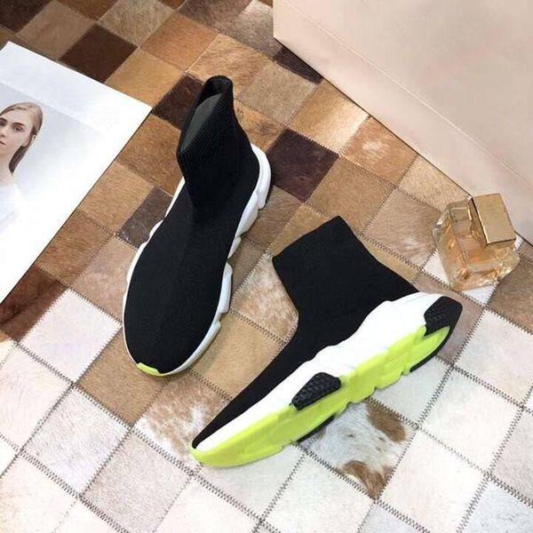 2019 hommes chaussures de mode et design de luxe pour femmes occasionnels Prank pantoufle bas chaussures mode casual nouvelles chaussures chaussettes paire de couleur assortie