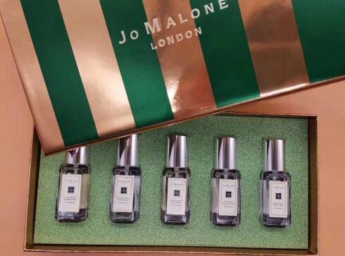 Womens Moda 9ml * 5 de perfume doce verde 5 fragrâncias Incenso duradoura Desodorante Eau De Perfume Spray de Natal Presente de frete grátis