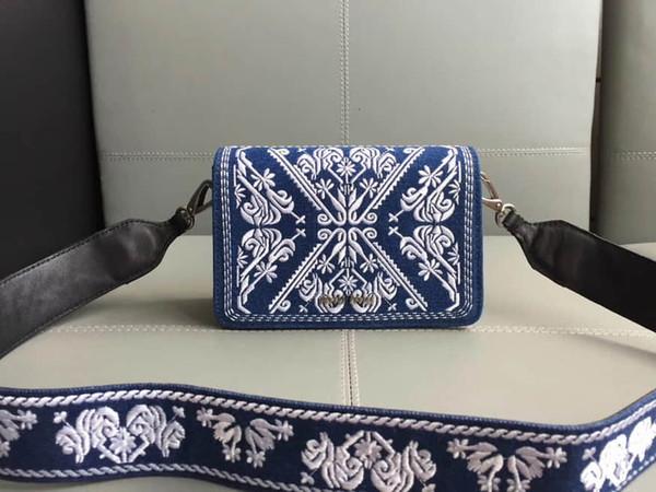 2019 тенденции моды новой весной и осенью дамы сумочку хозяйственная сумка 5BF057 Вышитые Denim Flat пакет синий + белый