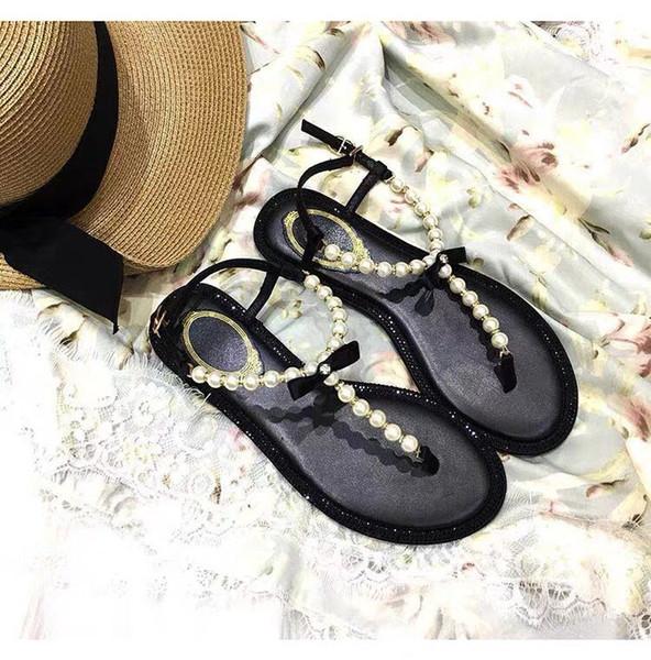 2019 neue Designer Explosion Modell rc mit dem gleichen Absatz Perle Sandale weibliche Fee Wind flach wilden Strandurlaub Strass Zehensandale
