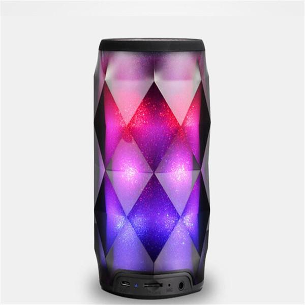 2019 Nuovo arrivo Cola Bottiglia LED colorato Lampada Altoparlante senza fili Bluetooth Stereo Soundbar Mini altoparlanti protable