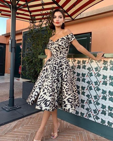 Meno di $ 50 Maniche Alta Abiti Low Breve Lace Backless damigella d'onore del partito Prom Dress di modo elegante vestito casuale 2020 più SizeUnder $ 50 S