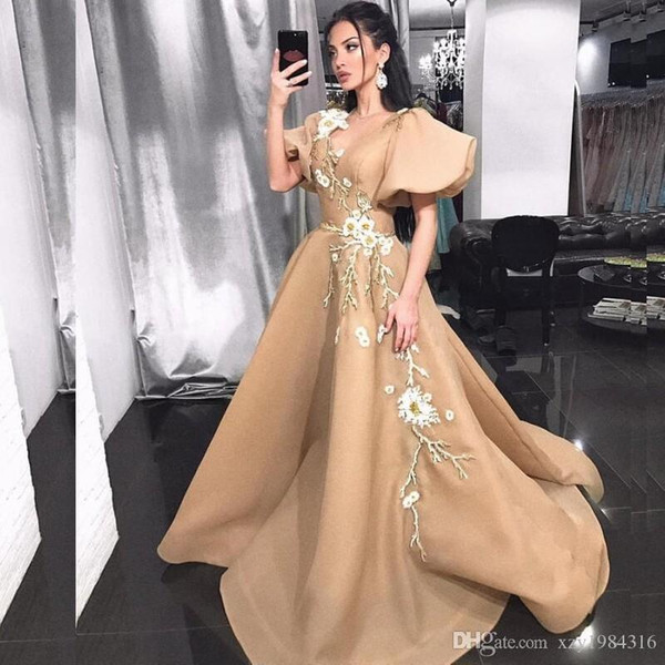 Poet Short Sleeves Prom Dresses V Neck Lace Appliques Embroidery Champagne Elegant Evening Dresses Sweep Train Special Occasion Dresses
