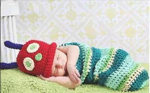 Roupa bonito da cor infantil nova de pano da foto / confecção de malhas de lãs feito a mão / roupa da foto da Lua cheia do bebê