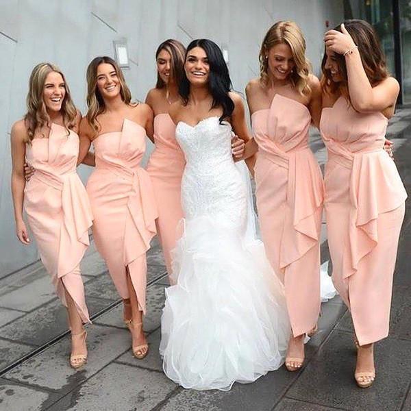 2019 Novo Coral Longos Ankle Length Bridesmaids Vestidos Strapless Plissados Ruffles Barato Maid of Honor Vestidos De Verão Da Praia Do Casamento Convidados Vestidos