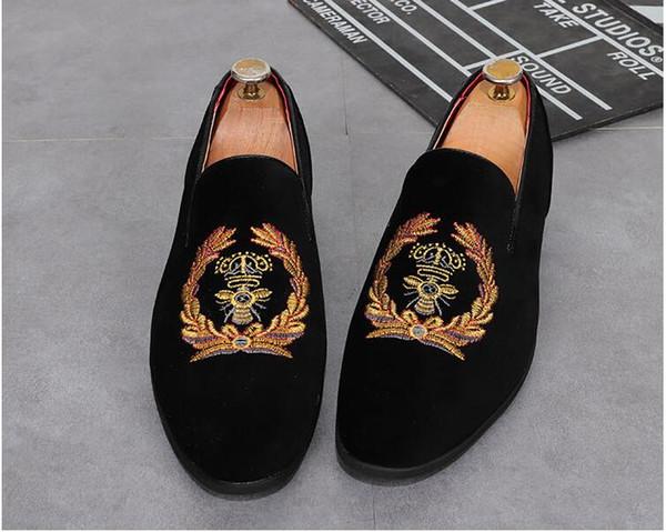2019 Moda Erkekler elbise ayakkabı PUNK Rhinestone Siyah Parti Düğün Ayakkabı Sivri Burun flats Sürüş Ayakkabı Loafer'lar