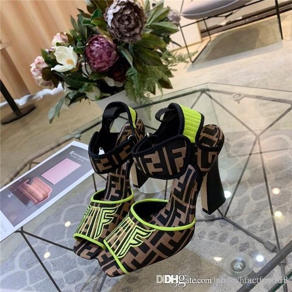 The latest explosive square head fashionable high heels Classic shapes and iconic materials Refined Comfortable Soft Lady Sandals