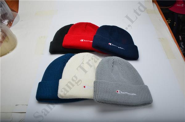 Kadın Erkek Tasarımcı Kintted Beanies Şapka Şampiyonu Marka Yün Kap Güz Kış Sıcak Hip Hop Kafatası Kap Erkek Kadın Düz Renk Kint Şapkalar C81905