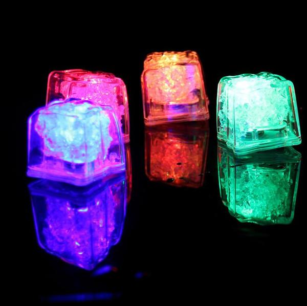 LED Yapay Buz Küp Renkleri Mini Romantik Işık Küp Flaş LED Işık Düğün Noel Partisi Dekorasyon