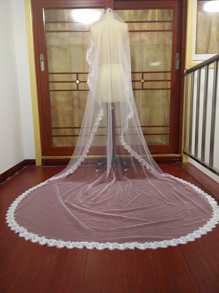 New Best Selling delicate Elegant Bridal Veils Two Layer Lace Applique Edge Cathedral Length White Ivory Meidingqianna Brand Alloy Comb