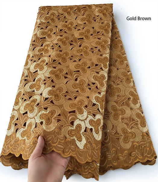 Color:gold brown
