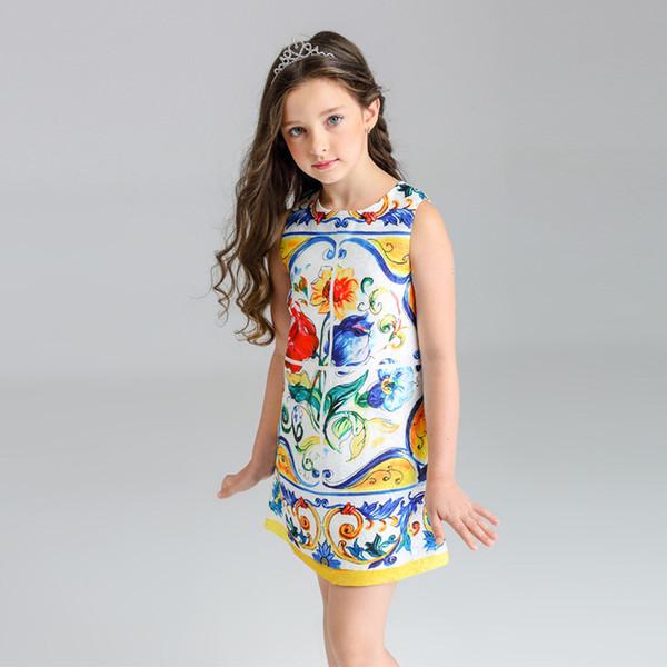 Vestido para niñas FallSpring restaura el estilo de los tiempos antiguos Vestido de flores impresas en mayólica Tela Dacron con vestido de encaje de sentido suave para niñas