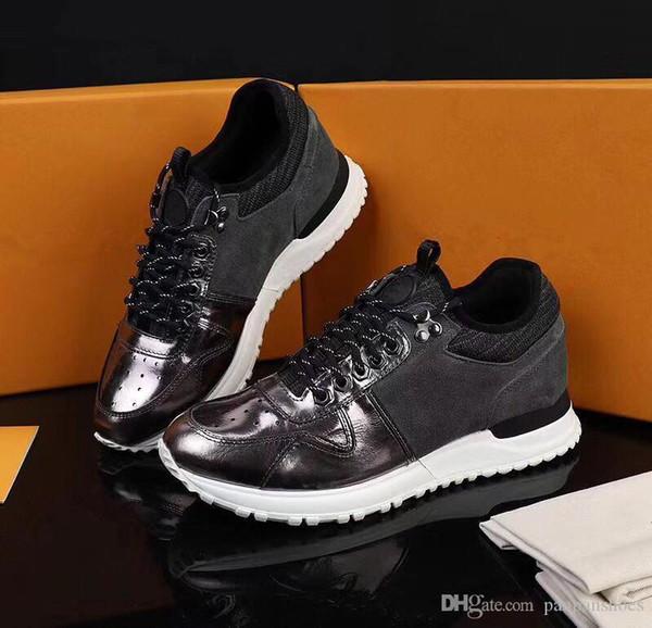 2019 Marque Fashion Designer Luxe Femmes Hommes Sandales Chaussures rouges hommes en cuir Flat Sneaker Designers Sport lw19021802