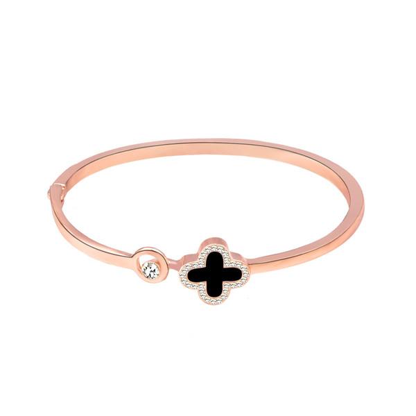 Bracelet à quatre feuilles d'herbe Bracelet en or rose Ornement à la main Bracelet Montre-bracelet Accessoires Bijoux Ornements