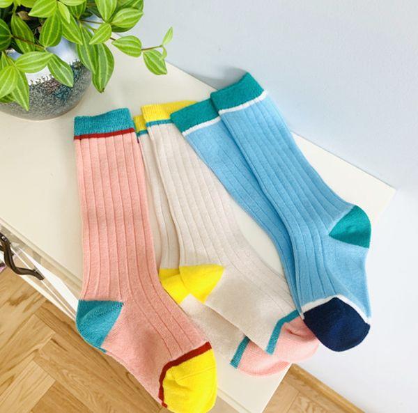 Çocuklar gökkuşağı çorap kızlar dikey şerit örme diz yüksek çorap erkek pamuk nefes futbol çorap çocuk basketbol çorap F9111