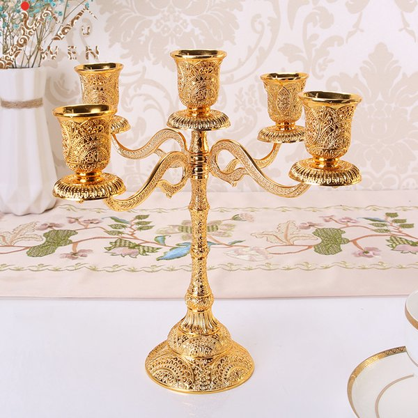 Vintage Antique Retro Metal Candle Holders Hollow Design Candlestick Tabletop Candle Stand Wedding Decoration Candelabra Home Decor Candelab