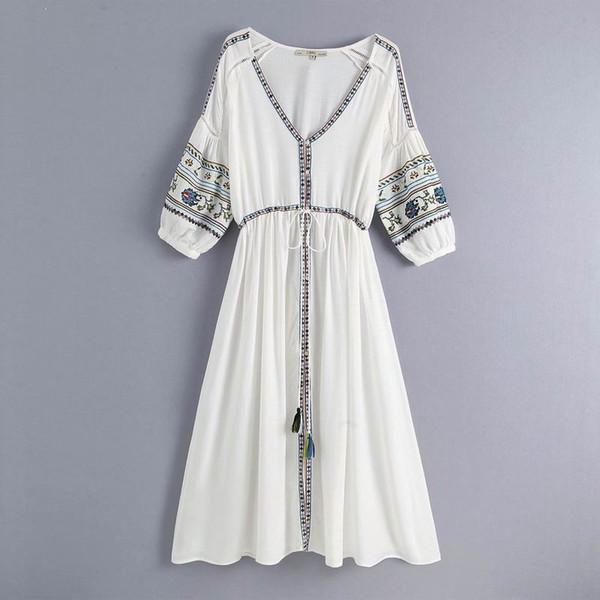 Abito da donna con ricamo estivo 2019 New Fashion Bohemian People Style V-Neck Mid-Vitello Modern Lady's White Dresses