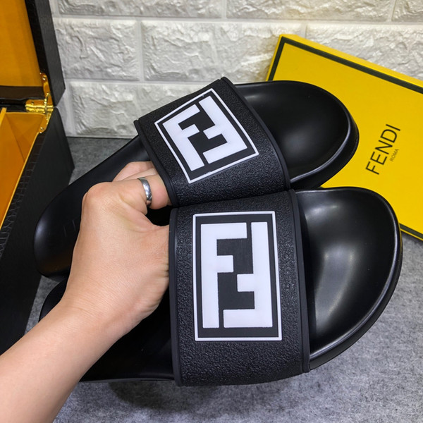 2019sell new men's women's shoes platform high heels slippers casual shoes flat shoes latest men's women's sandals slippers
