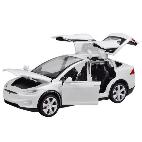 1:32 Porte in lega per veicolo famoso modello auto in lega di qualità eccellente per la collezione Light / Sound Pull-back Design