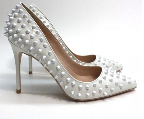 Nuevo tipo de remache Cusp Zapatos de tacón alto para mujer Tacón fino Zapatos individuales 8cm 10cm 12m Tamaño grande 45 Club nocturno para bodas Zapatos inferiores rojos 4 colores