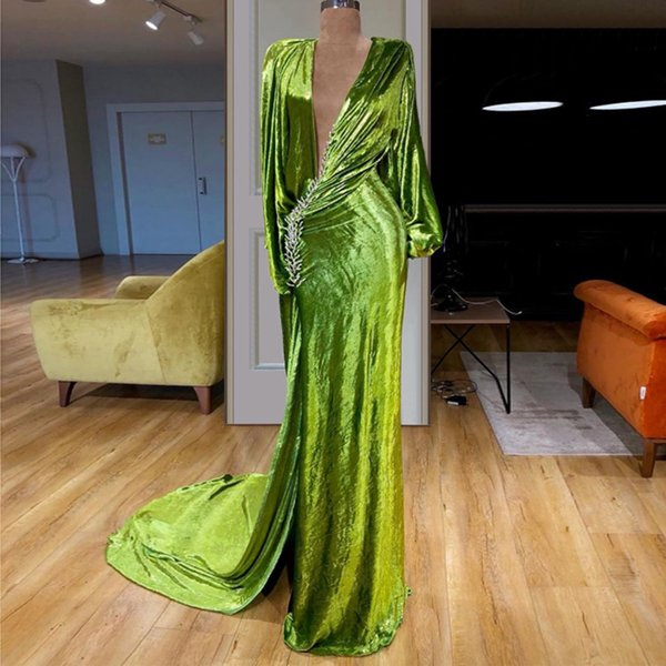 Stunning Green Mermaid Velvet Evening Dresses Deep V Neck Side Split Red Carpet Celebrity Dress 2019 Sweep Train Crystal Evening Gown