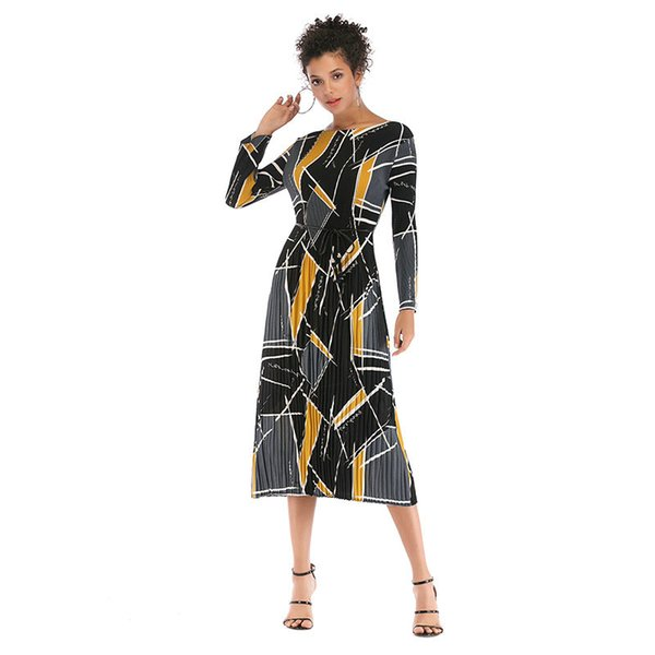 The new printed chiffon dress in the spring and autumn period and the women's clothing foreign trade long long pleated