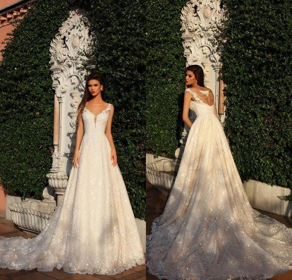 2018 nouvelle arrivée designer gaine robes de mariée pure cou sans manches perles retour complet dentelle tribunal train robes de mariée sur mesure