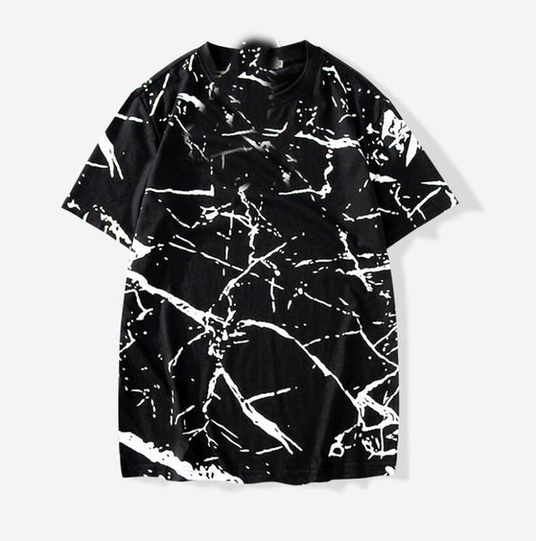 Mens designer Tshirt versatile cotton Tshirts casual fashion T shirt new breathable T shirts couple models black and white T-shirt