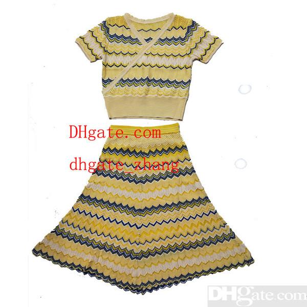 Abschluss-Saison Holiday Hign-End Großhandel Runway Occident V-Ausschnitt Kurzarm Stricken Print Striped Skirt Anzug