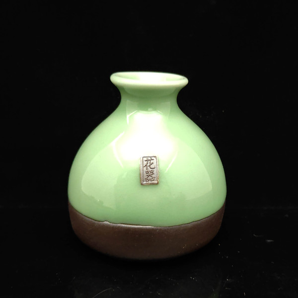 Porcelaine chinoise Fabrication artisanale vert Petit vase S013