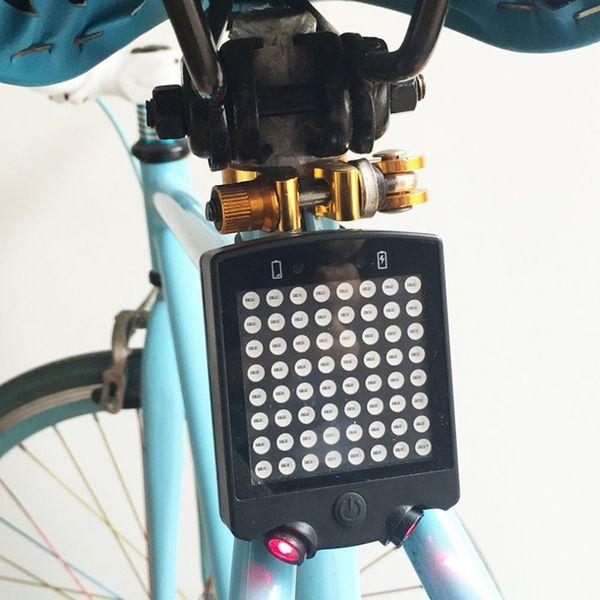 Kompaktes multifunktionales USB-Ladegerät, das wasserdichtes Fahrradwarnlicht auflädt
