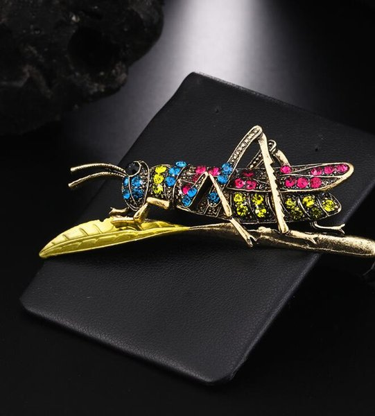 Korean Style Locust Grasshopper Animal Pins Brooches Water Drill Crystal Original Insect Pins Brooches X1084